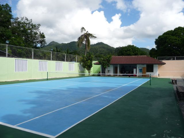 If it\'s June it must be Wimbledon . . or Klong Prao.  The island\'s first tennis court opened.