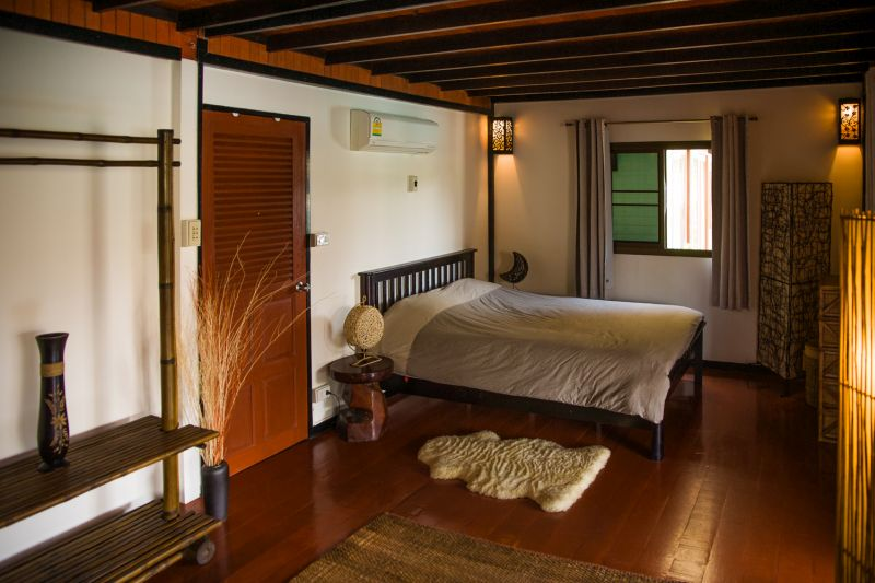 Koh Chang Holiday Villa Rental - Master bedroom