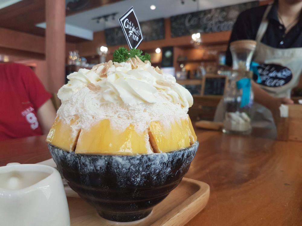Bingsu at Cafe de Flora, Koh Chang