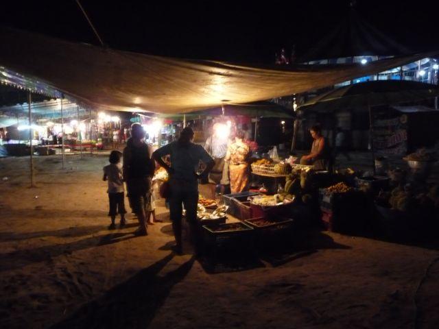 cambodia-fair-koh-chang-apr10-03
