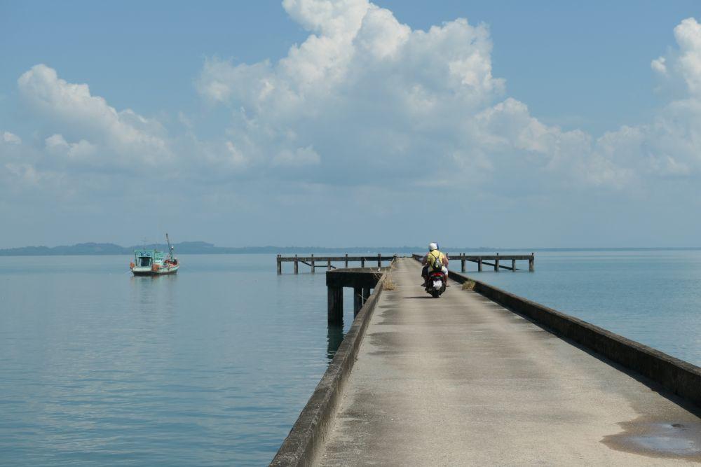 Old pier at Than Mayom