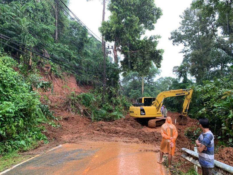 Landslide near Bangbao