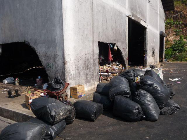 garbage-koh-chang-16