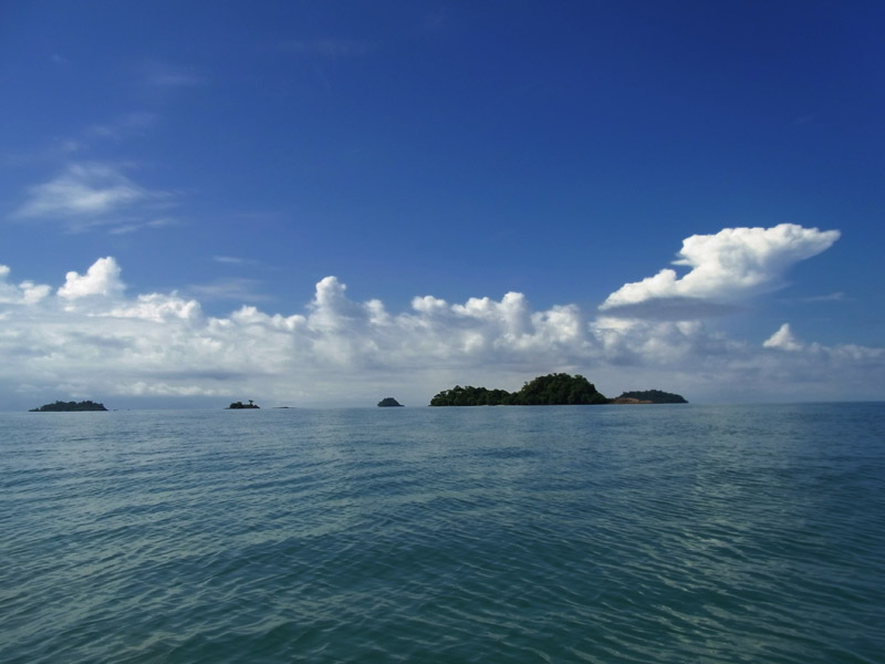 Koh Yuak in the distance