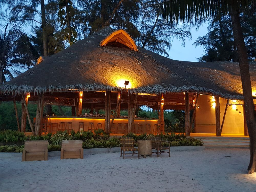 Beach bar at Peter Pan Resort
