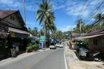 Main street at the south end of Lonely beach
