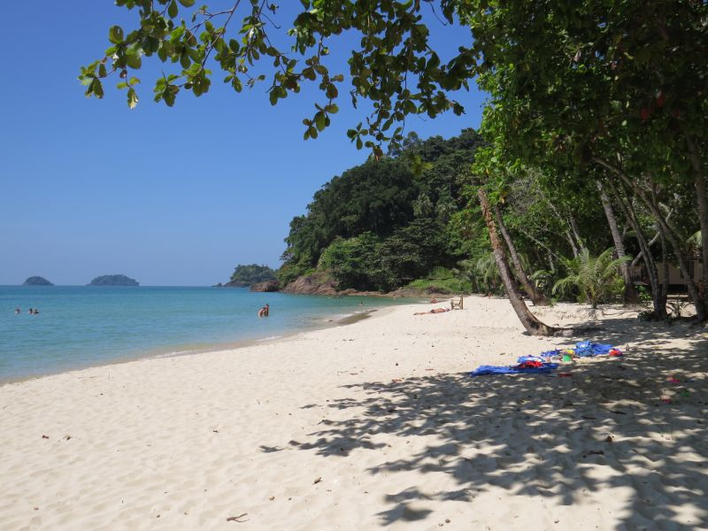 Lonely Beach Guide Stay And Eat On Koh Chang S Backpacker