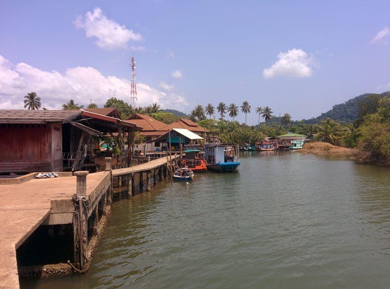 Salakphet village