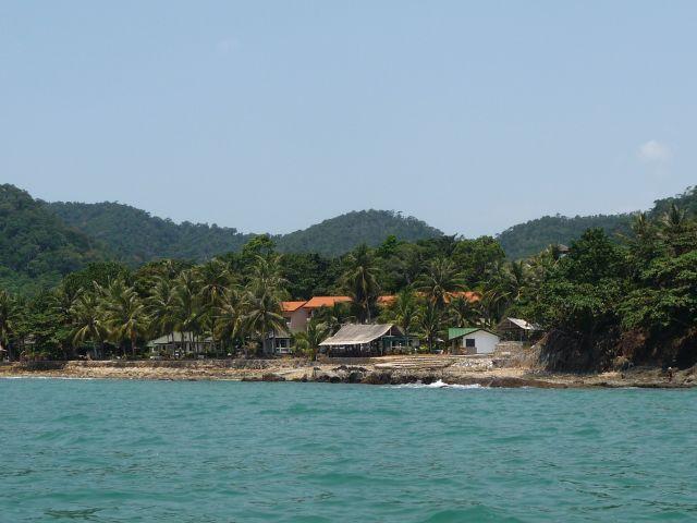 white-sand-beach-koh-chang-mar10-05
