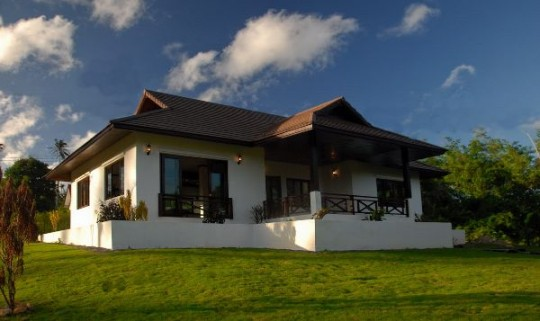Two Bedroom Home, 60 metres to the beach.