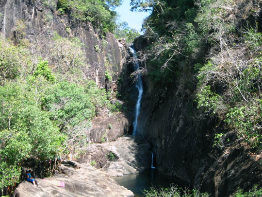 klong-plu-waterfall-koh-chang dec09