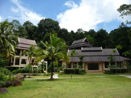 kooncharaburi resort