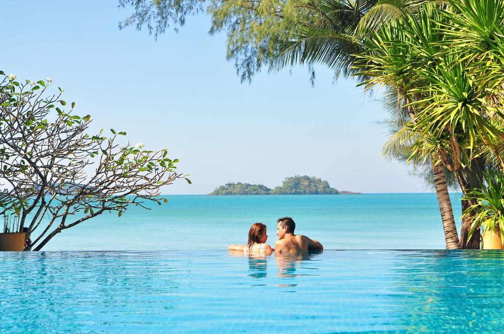 Pool at Barali Beach Resort