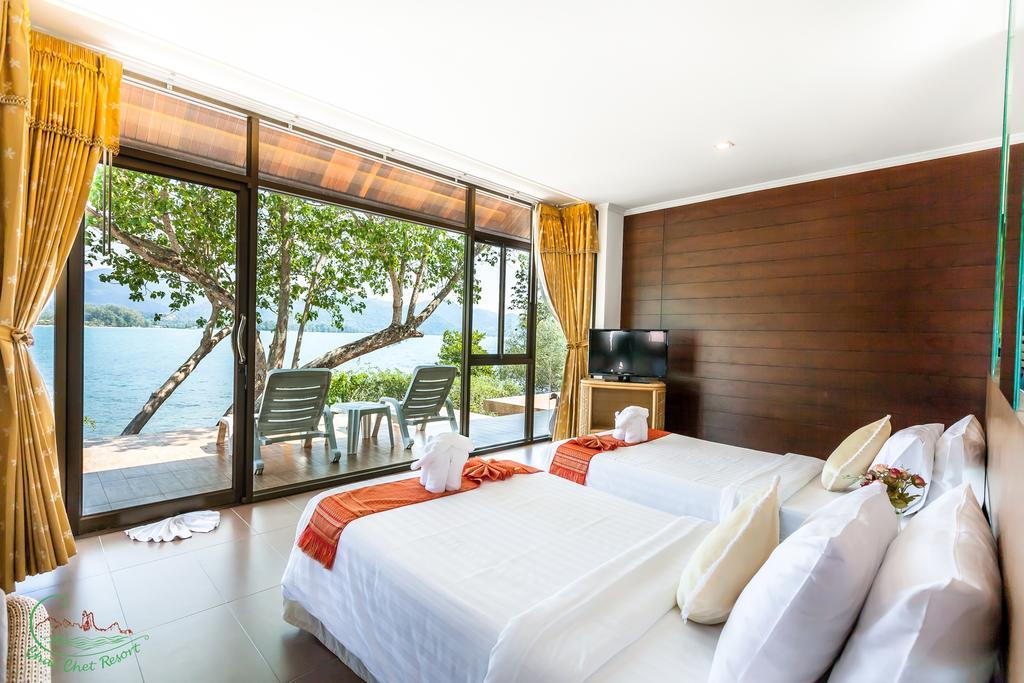 Room at Chai Chet Resort, Klong Prao beach