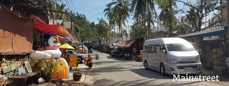 Main road at Lonely beach
