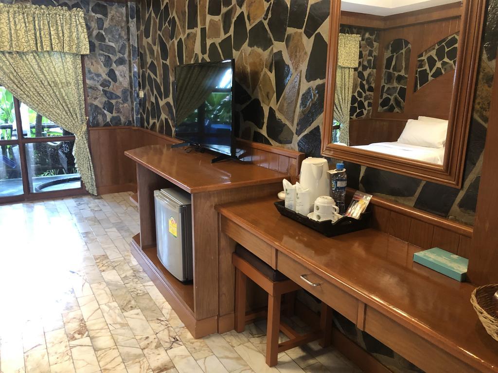Room at Koh Chang Lagoon Princess