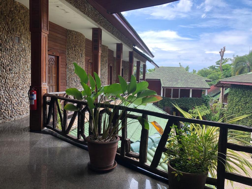 Exterior of Koh Chang Lagoon Princess