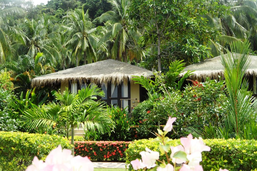 Bungalows at Amber Sands beach Resort