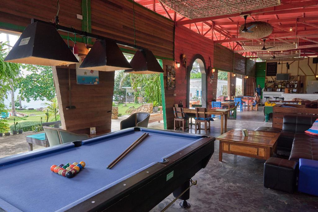 Bar, restaurant at Elephant Bay Resort