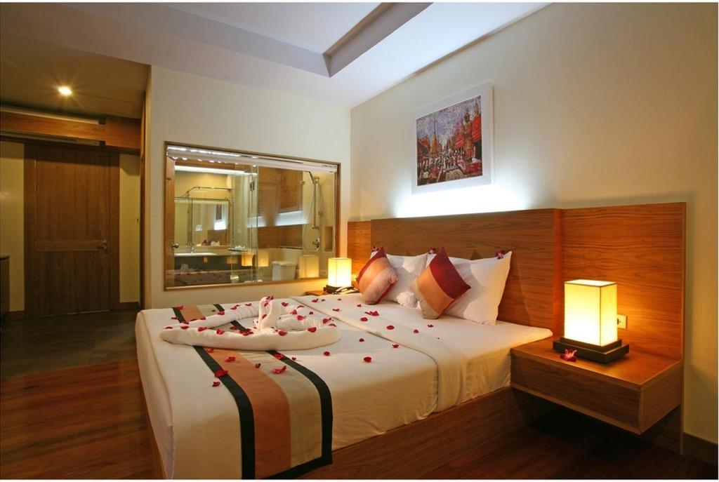 Deluxe room at Baan Saikhao Plaza Hotel, White Sand beach
