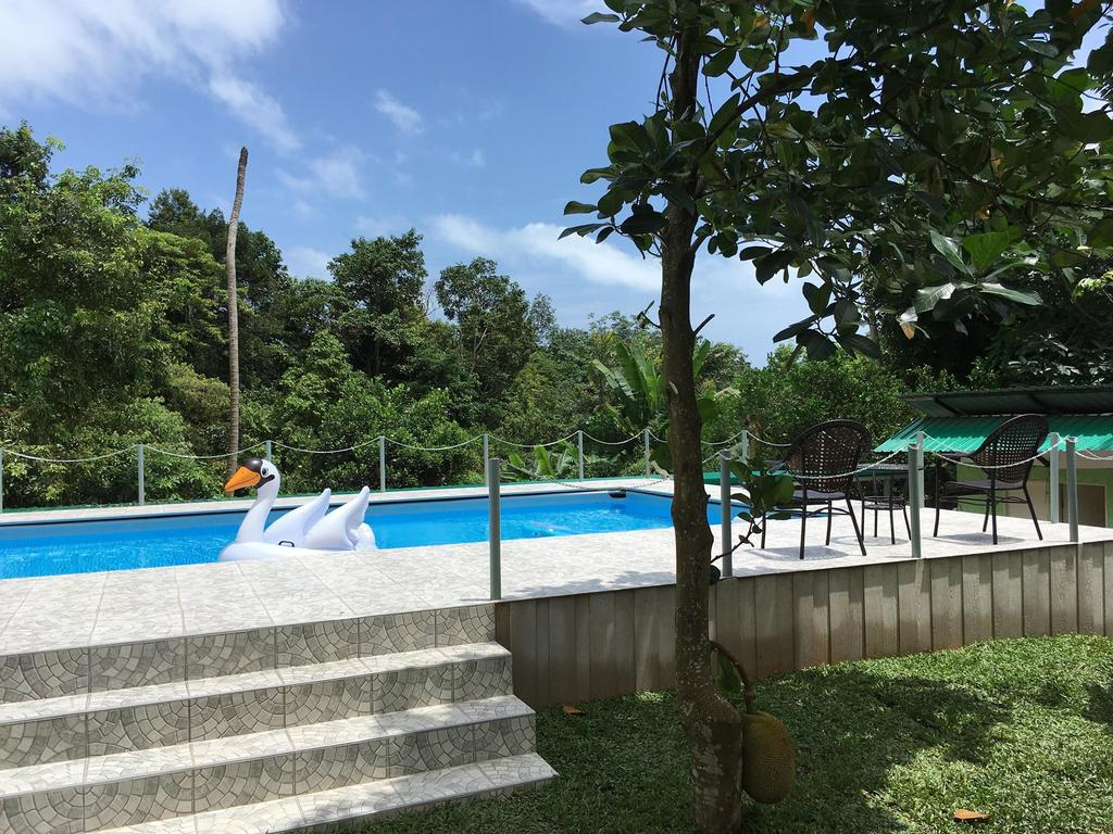 Swimming pool at TP Hut Bungalows, Koh Chang
